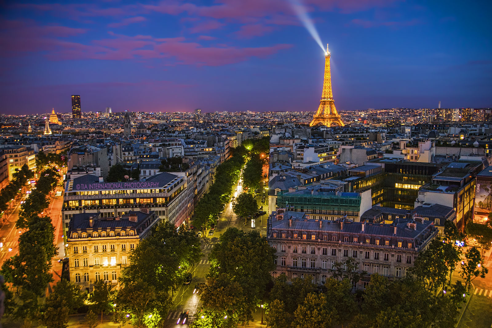 Two Minutes in Paris:  A Love Story
