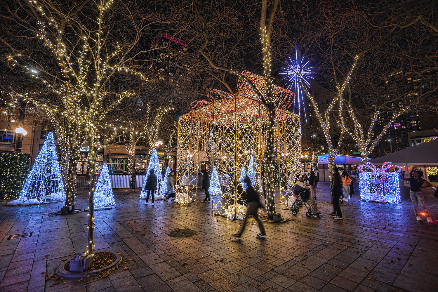 Westlake Park during the holiday season, Downtown Seattle. (December 17, 2020)